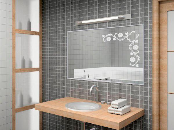 Чтобы зеркало не запотевало, прежде, чем принимать душ, необходимо нанести на зеркало зубную пасту и смыть ее.