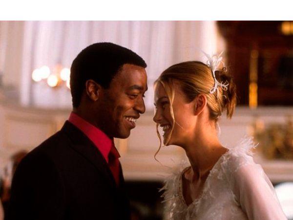 Реальная любовь. Сюжет состоит из девяти параллельно развивающихся историй. Действие фильма происходит в конце 2003 года, начинаясь за 5 недель до Рождества.