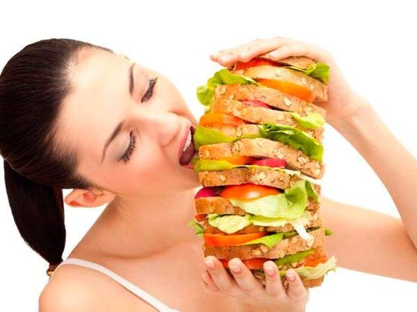 Никогда не заедайте стресс. Не набрасывайтесь на еду, если вы нервничаете. Лучше принять ванну, выпить травяного настоя или чашку зелёного чая.