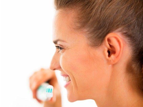 Хочется сладкого? Почистите зубы. Мятный вкус зубной пасты отобьет желание есть сладости.
