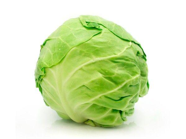 Нельзя мыть горячей водой капусту и листовой салат! Их ценность от этого сильно снижается.