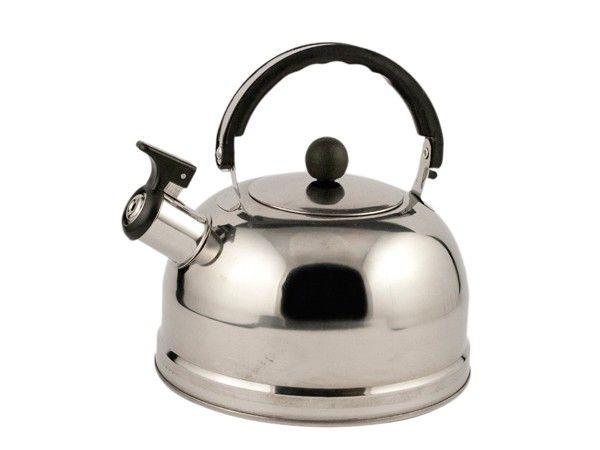 Накипь со стенок чайника можно удалить нехитрым способом. Лимонную кислоту ( 1-2 пакетика) насыпьте в чайник (в холодную воду) и вскипятите. Дайте немного постоять, затем слейте вскипевшую воду, сполосните чайник, вскипятите новую порцию чистой воды. Эту воду также необходимо слить, в ней могла остаться лимонная кислота.