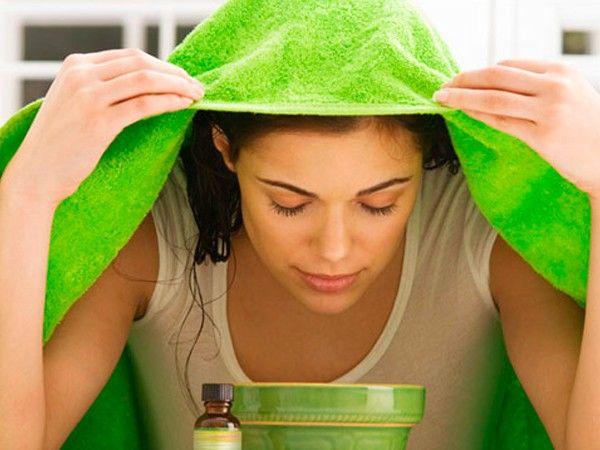 Очень хорошо делать паровые ванночки 2-4 раза в месяц, лучше всего вечером перед сном. Под действием пара поры кожи очищаются от черных точек, начинают интенсивнее действовать сосуды кожи.