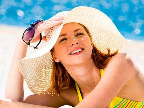 Берегите кожу от избыточного солнечного облучения. Не пользуйтесь соляриями. То, что солнце само вылечит прыщи, миф, а не реальность. Загар только маскирует прыщи.