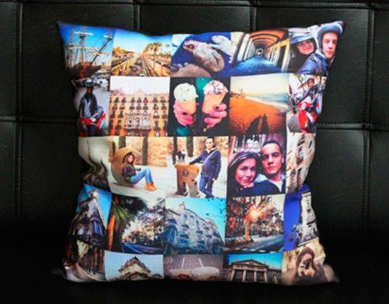 Гостиную молодых украсит яркая подушка с их фотографиями. Красиво, стильно и очень символично.