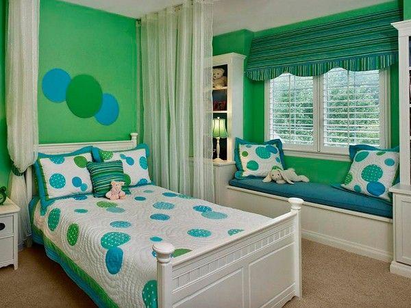 Идеи оформления окна в детской комнате
