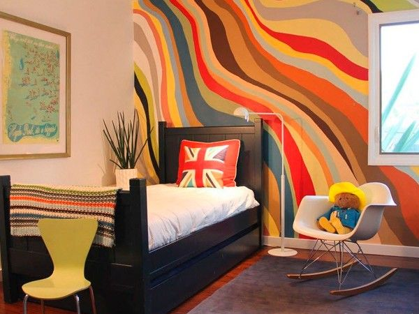 7. Покраска чаще используется при внешней отделке дома, но и внутри это будет отличным решением. Благодаря широкому разнообразию цвета, фактуры и видов можно придать помещению самые различные варианты декора.