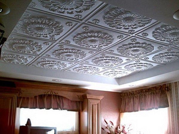 6. Пенополистирольная плитка является быстрым и эффективным вариантом отделки потолка. Главным ее преимуществом среди других отделочных материалов является относительно низкая стоимость, поэтому она так популярна при бюджетном ремонте.