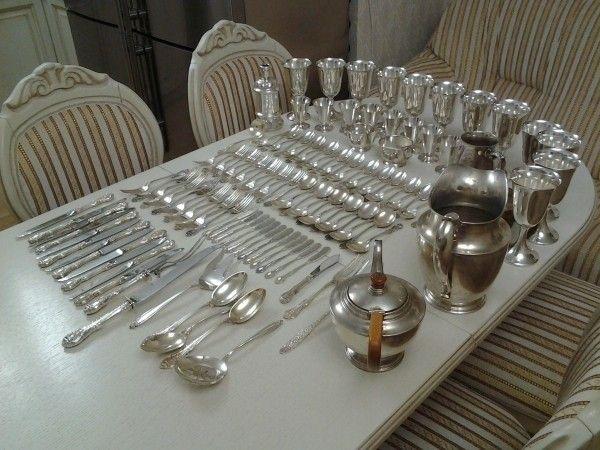 4. Серебро будет сиять. Положите мелок в том месте, где храните столовое серебро. Он будет впитывать влагу и сохранит блеск серебра.