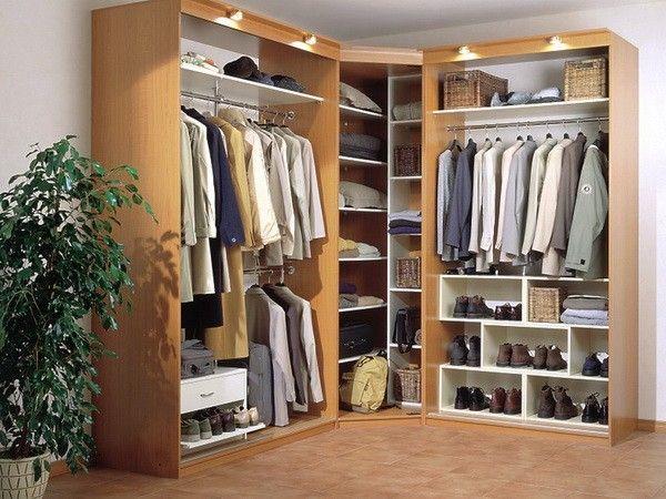 9. Предотвращение затхлого запаха в гардеробе. Кусочки мела в шкафу предотвратят затхлость, которая часто образуется в закрытых шкафах.
