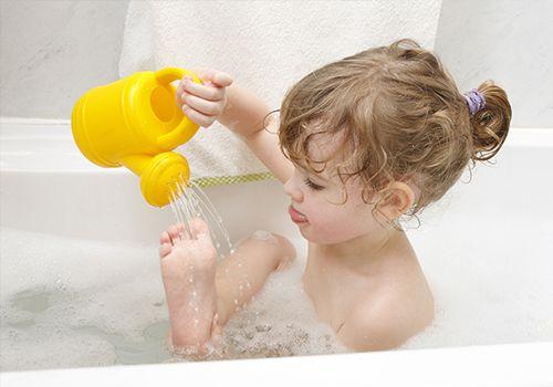 Повысить устойчивость детского организма к инфекции можно с помощью закаливания – использования воздействия факторов природы (солнца, воздуха и воды).