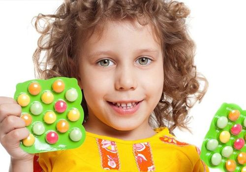 Принимайте витаминные комплексы. Главное их действие должно быть направлено на укрепление иммунитета ребенка. Основные витамины для вас сейчас – С, А, Е, D.