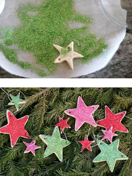 Готовые, уже высушенные изделия из соленого теста можно украсить блестками, нанеся их на слой клея. Сами фигурки можно вырезать формочками для печенья.