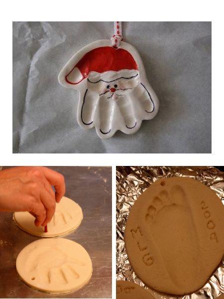 Еще один вариант поделки с использованием детских отпечатков. Ручка с помощью красок и кисточки превращается в деда Мороза.