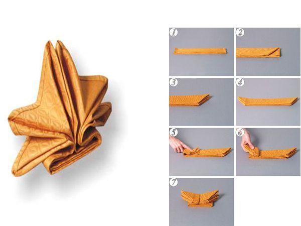 Салфетки могут быть того же цвета, что и скатерть (тон может немного отличаться), либо контрастного. Если стол покрывают двойной скатертью, то салфетки должны быть одного цвета с основной скатертью.