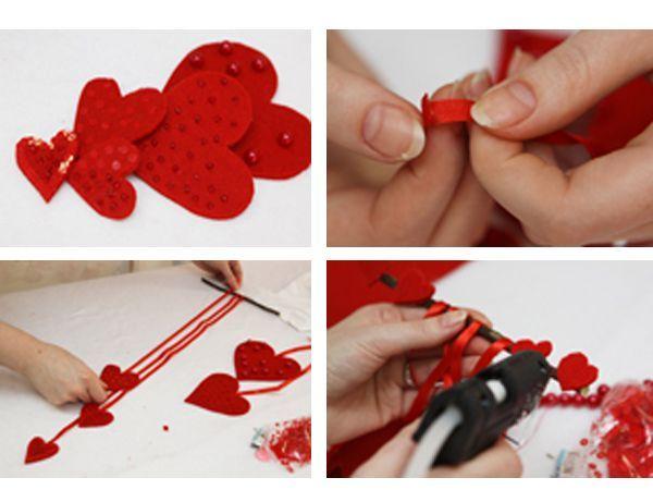 Кончик ленты подгибаем и приклеиваем, чтобы она не осыпалась и выглядела эстетично. Прикрепляем ленты к сердцам и ветке, равномерно распределяя. Теперь нам необходимо задекорировать ветку, чтобы она выглядела более эстетично. Для этого используем крошечные сердца, вырезанные из фетра и бусины.