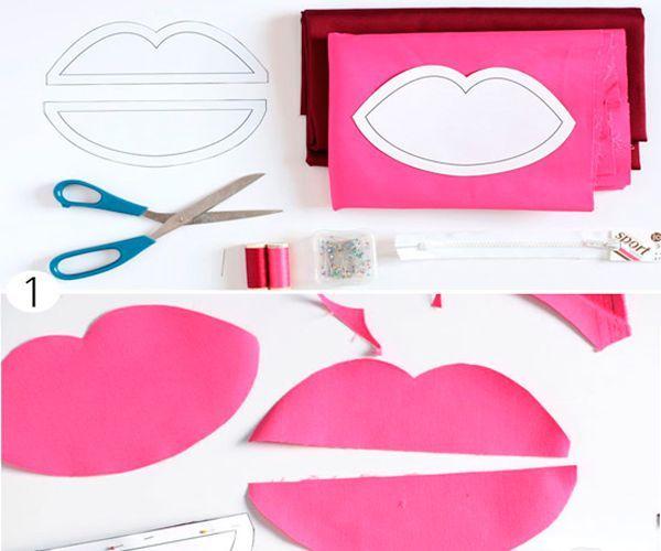 Нарисуйте выкройку в форме губ. Вырежьте, учитывая припуски на швы.