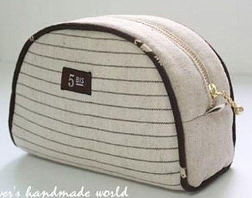 Такую сумочку можно использовать как косметичку или школьный пенал. Материал лучше выбирать плотный. Например, джинс или вельвет.