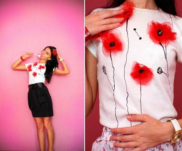 Для того, чтобы декорировать футболку таким образом, нам понадобится: ткань, свеча, бусина для центра цветка, краска для ткани, кисть.
