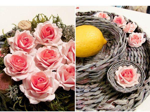 Покрасьте акварельный  лист, можно красить и уже имеющиеся заготовки лепестков (если нужен плавный переход цвета).