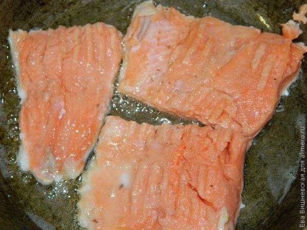 рыба на картофельной подушке