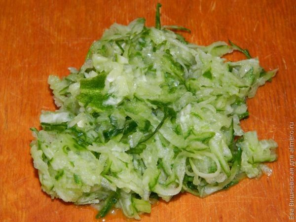 салат с кукурузой