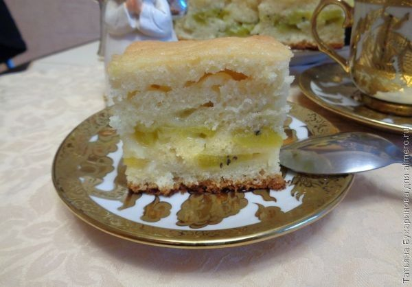 Пирог с киви на лимонаде