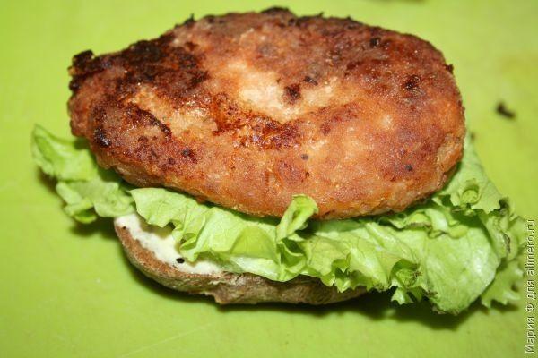 гамбургер из льняного хлеба