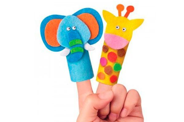 Не следует забывать о театральном творчестве. Игра в пальчиковый театр способствует развитию моторики ребёнка и как следствие развитию речи, помогают развивать словестно - логическое мышление, связную речь и фантазию ребенка.
