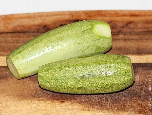 Салат из печеных кабачков
