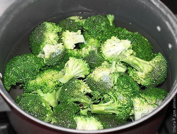Вареная капуста брокколи
