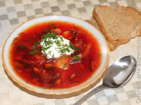 Свекольный суп с шампиньонами