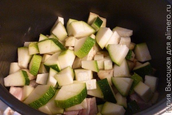 Свинина с овощами и гречкой