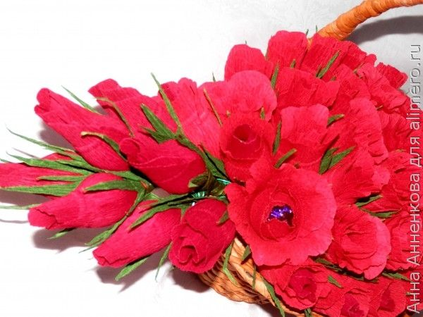 Бутон розы из гофрированной бумаги