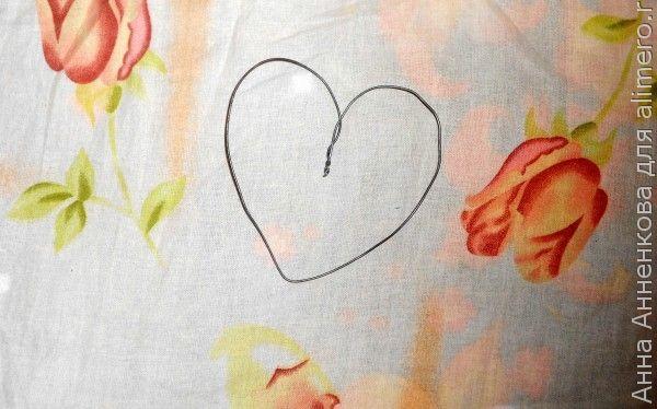 Валентинка из газетных трубочек