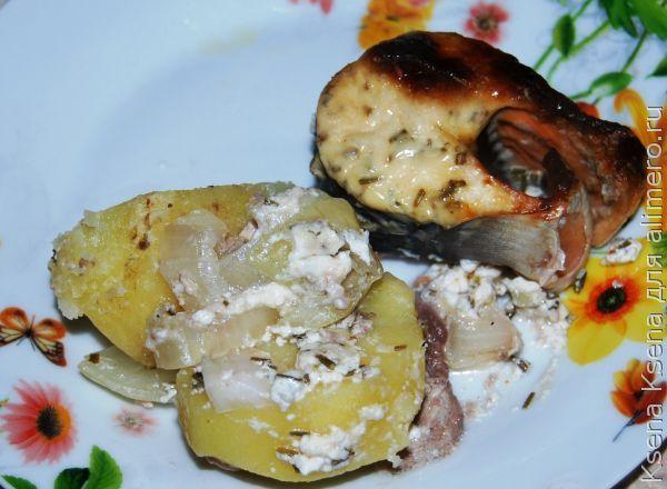 Филе горбуши в духовке с картошкой сыром