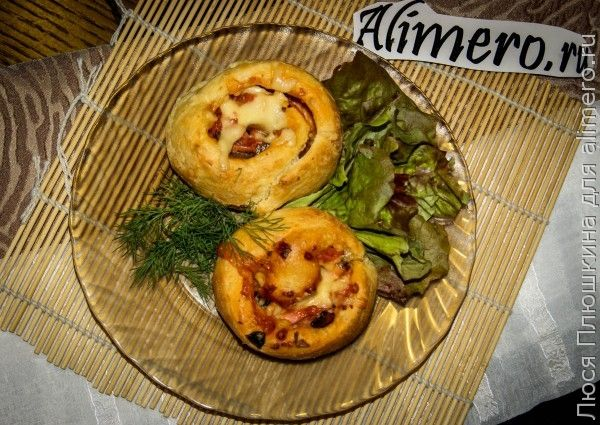 пирог из слоеного теста с картошкой фаршем и грибами