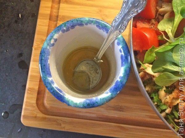 Салат на обед из вчерашней курицы с рисом