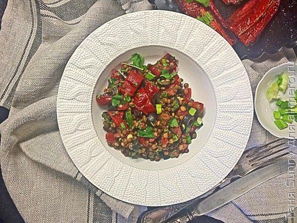 Салат из перца гриль и чечевицы