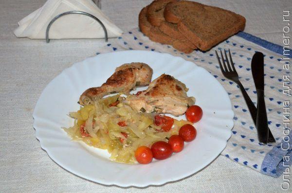 Курица с лимоном и розмарином запеченная с овощным гарниром