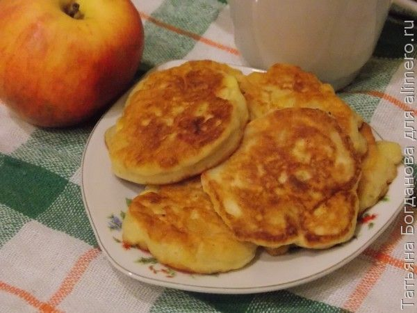 рецепт оладьев из яблок на дрожжах