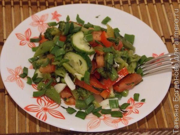 салат из свежих и замороженных овощей