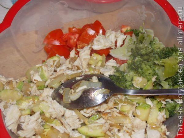 Полезный салат с курицей