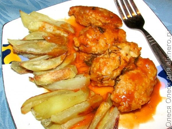 Кнели куриные с сыром и томатным соусом