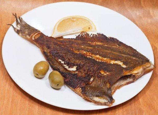 Камбала. Содержит редкое вещество метионин, обладающее жирорасщепляющими свойствами. По сравнению с другими рыбами белок камбалы быстро усваивается в организме, и у вас не будет ощущения, что вы переели перед сном.