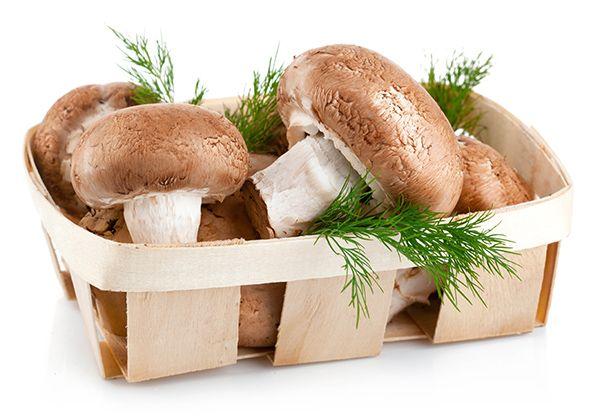 Грибы. Все знают, что грибы тяжелая пища! Однако, тяжелой их делают используемые для готовки масло и сметана. А так это диетический низкокалорийный продукт. Минимум калорий и масса полезных микроэлементов!
