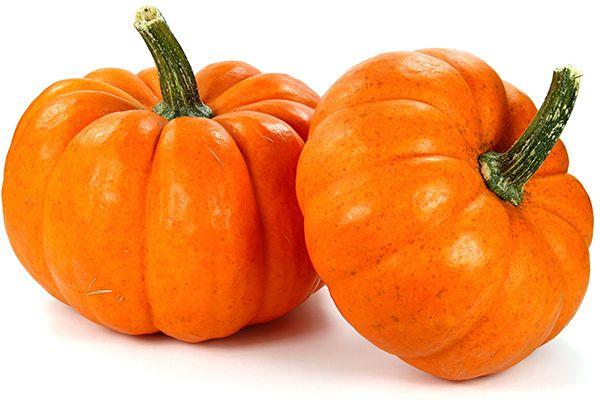 Тыква. Если вы используете тыкву только в качестве декора на Хэллоуин, то вам стоит пересмотреть отношение к этому овощу. Тыква легкая и полезная, потому что в тыкве есть витамин Т, помогающий усваивать тяжелую пищу и улучшающий обмен веществ.