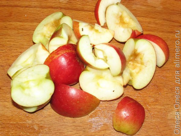 утка с яблоками