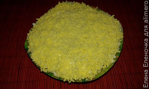 Салат из мяса, лука и яиц
