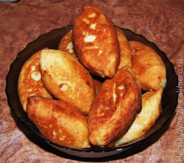Золотистые пирожки с сардиной